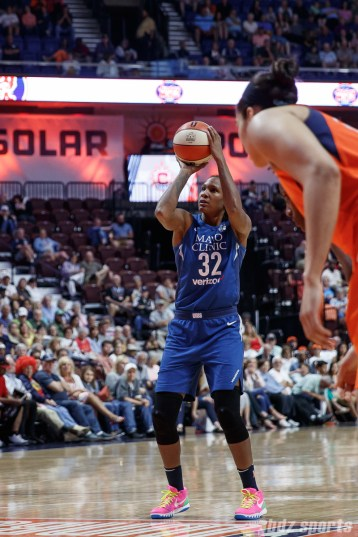 Minnesota Lynx forward Rebekkah Brunson (32)