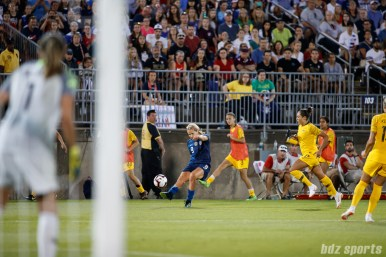 Team USA midfielder Lindsey Horan (9)