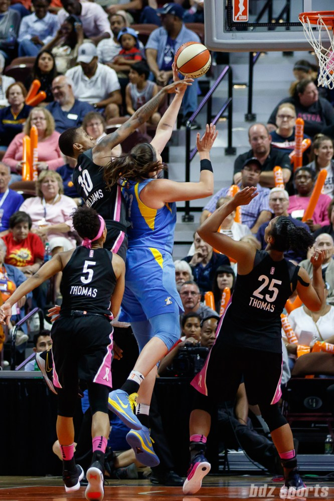 Chicago Sky center Stefanie Dolson (31) and Connecticut Sun guard Courtney Williams (10)
