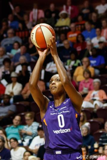Phoenix Mercury forward Angel Robinson (0)