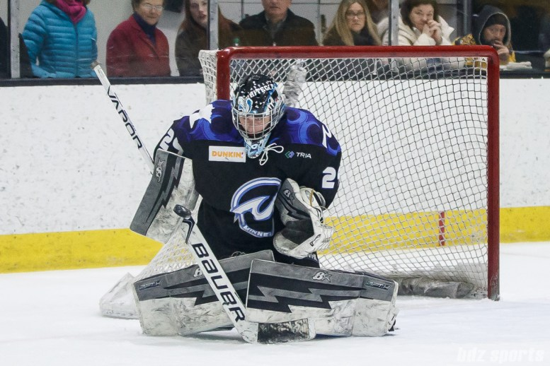 Minnesota Whitecaps goalie Amanda Leveille (29)