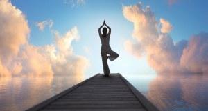 Stimmungsbild Yoga am Wasser