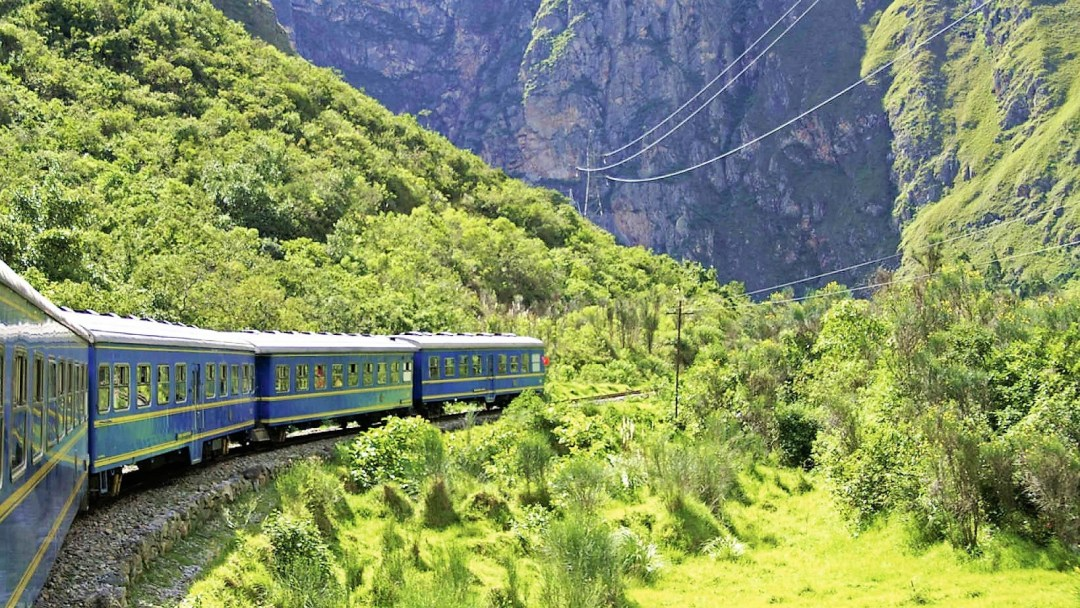 ALL ABOARD THE BELMOND HIRAM BINGHAM TO MACHU PICCHU
