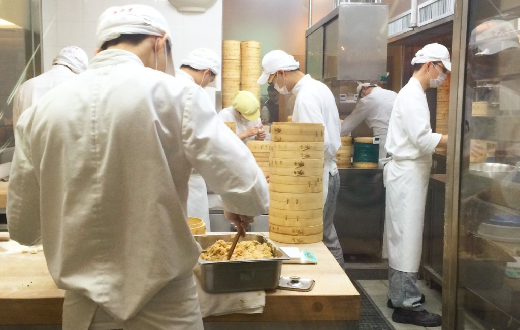 Dintaifung: The probably cheapest one star restaurant in the world !