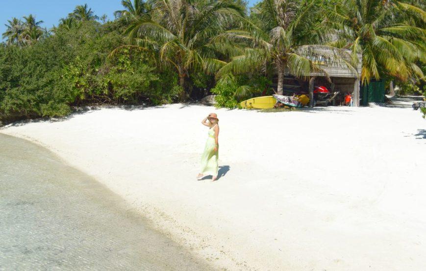 Maldives, Island, Paradise, white beach, white sand, blue water, blue sky, travel blogger