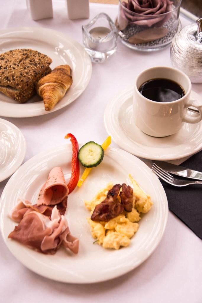 Gutshof Woldzegarten, Müritz, Wellnesshotel, Frühstückssaal, Frühstück,