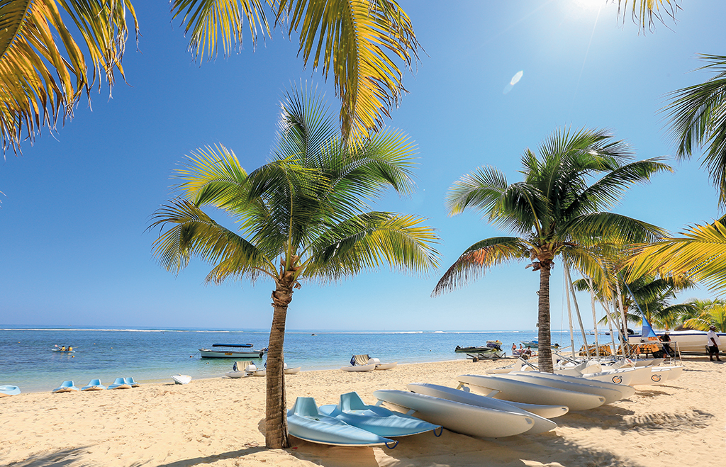 BeachBook - Victoria Beachcomber