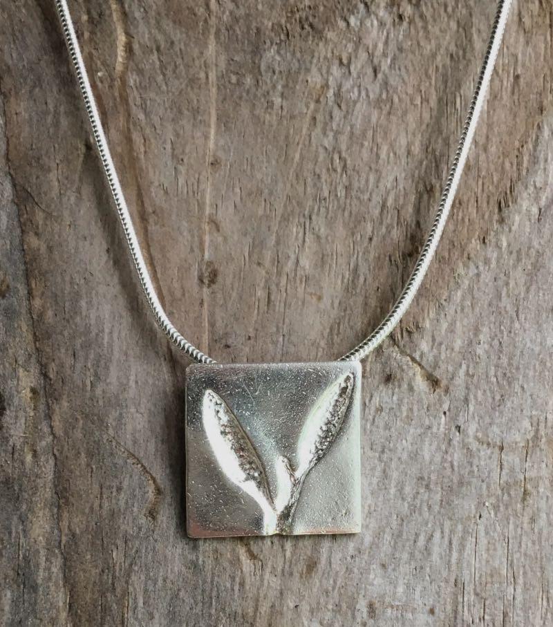 sea oak seaweed square pendant