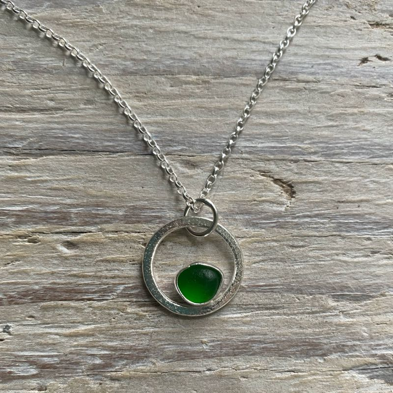 Kelly Green sea glass circle pendant