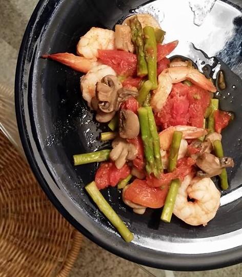 Asparagus shrimp toss