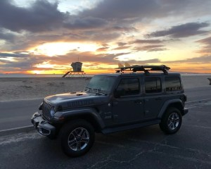 CoolToys TV Jeep Sahara with i-4 Turbo