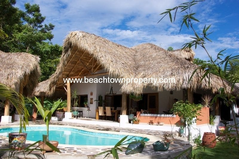 Caribbean 4 bed villa with cottage near beach in Las Terrenas