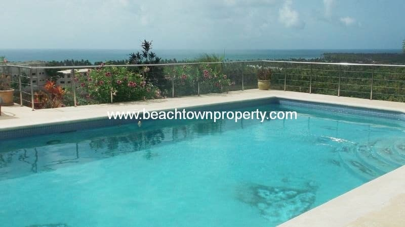 5 bedroom house with ocean views in Las Terrenas