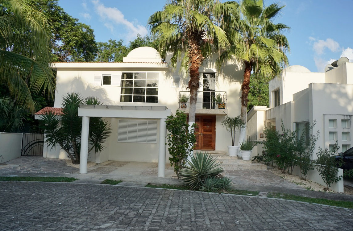 casa max properties in playa del carmen