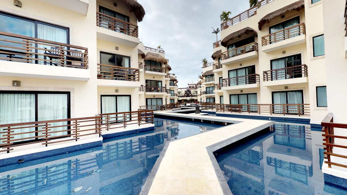 properties in playa del carmen aldea thai 236 2 bedroom private pool 13