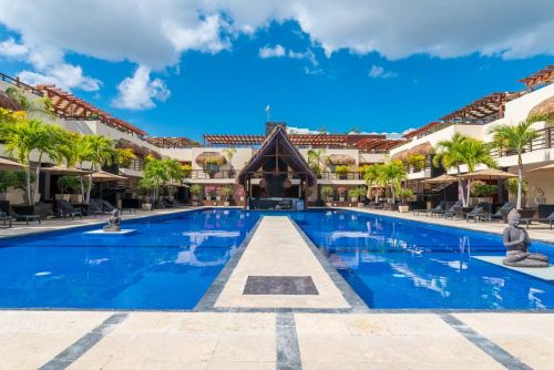 properties in playa del carmen aldea thai areas comunes 38