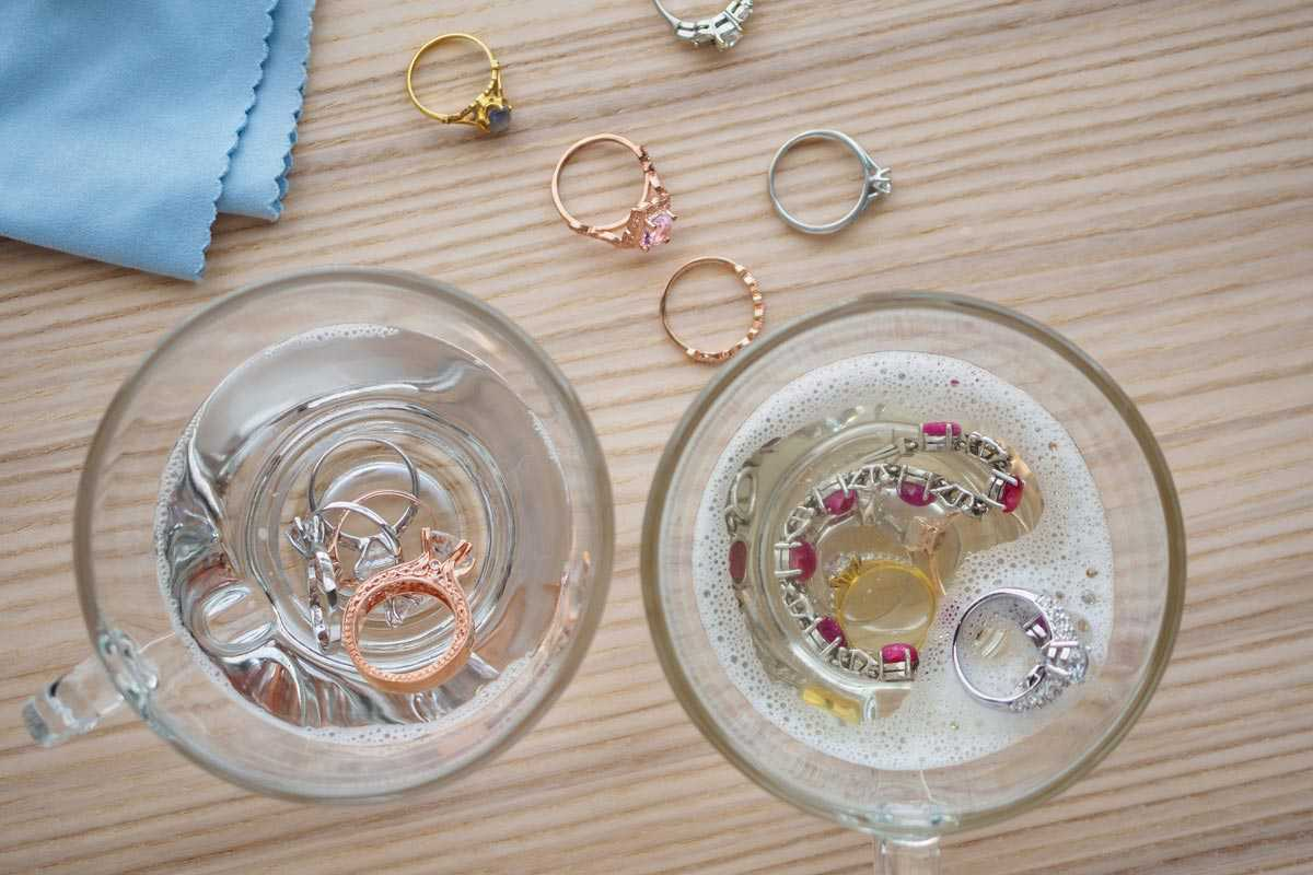 Can You Use Hydrogen Peroxide to Clean Jewelry? (Gold ...