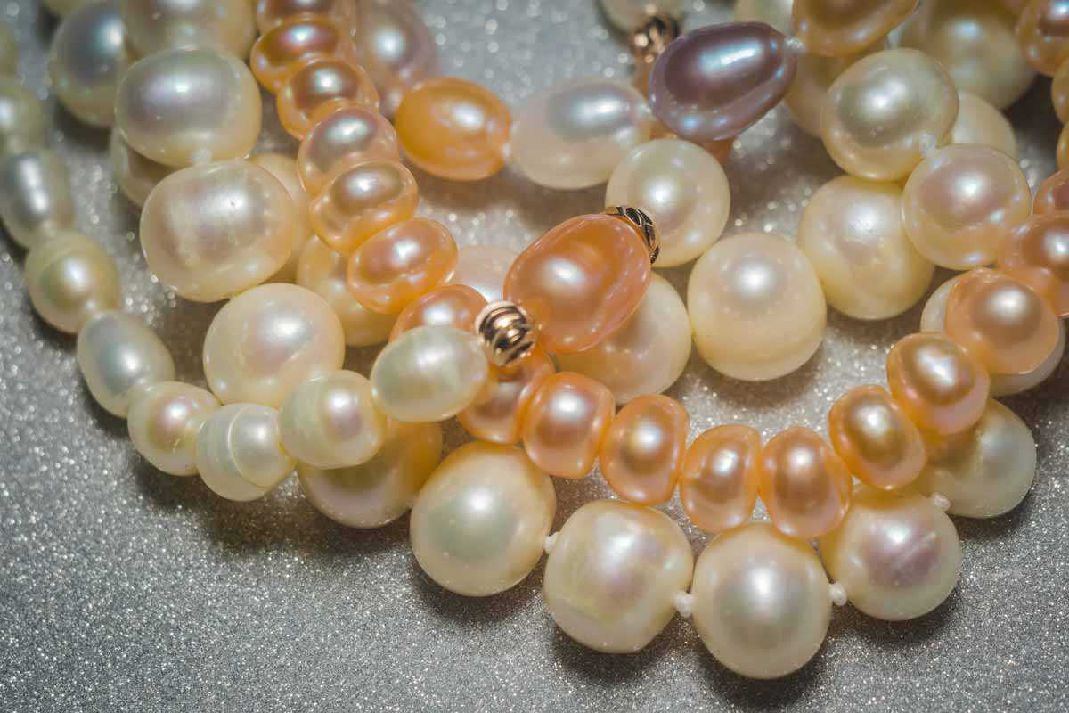 pearl shape and pearl colors