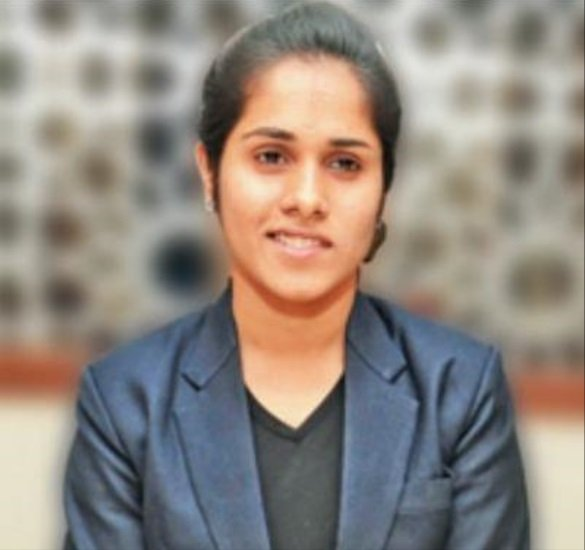80%-vision-loss-did-not-hinder-Prachi-Sukhwani-from-getting-into-IIM-Be-An-Inspirer