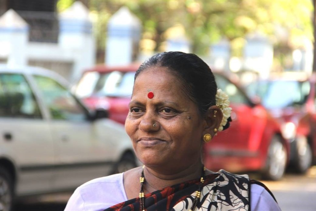 This-smiling-mother-from-Humans-of-Bombay-had-to-flee-from-her-Husband-to-protect-their-Daughter-Be-An-Inspirer
