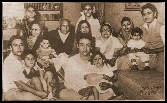 Ashok-Kumar-with-his-family-members-Be-An-Inspirer