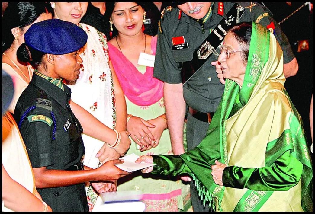 Shanti-Tigga-honoured-by-12th-President-of-India-Pratibha-Patil-Be-An-Inspirer