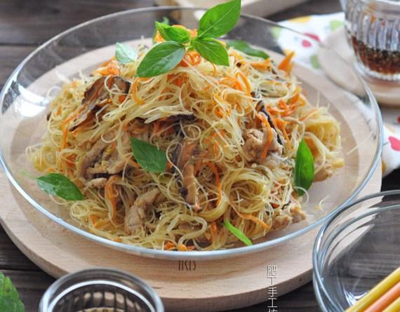 越式雜菜肉片炒米粉【少油爽口】Fried Noodles