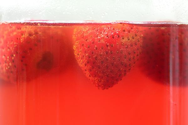 果肉純釀 微醺草莓甜酒 Homemade Strawberry Wine Recipe