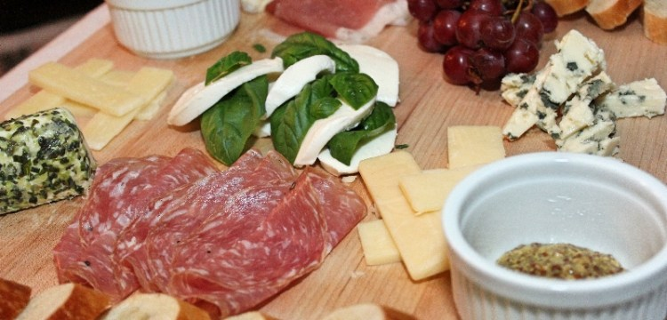 DIY Cheese Platter! Simple guidelines for putting together the perfect party plate, or a romantic dinner for two. | entertaining recipes | date night recipes | BearandBugEats.com