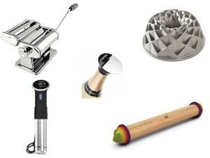 A 2017 Gift Guide: Kitchen edition! Whether your loved one likes gadgets, books, or everything kitchen, there's something here for everyone!   gift guide   christmas   kitchen gadgets   BearandBugEats.com