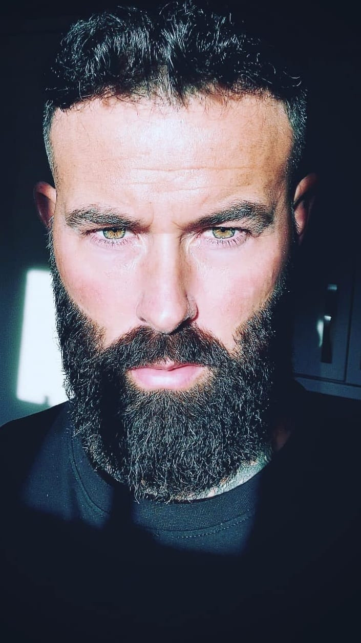 Simple Hacks To Help You Grow A Thick Beard Quickly