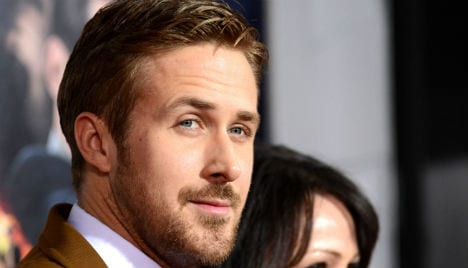 ryan-gosling-medium-stubble-bearded-men