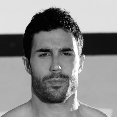 perfect-stubble-medium-stubble-bearded-man