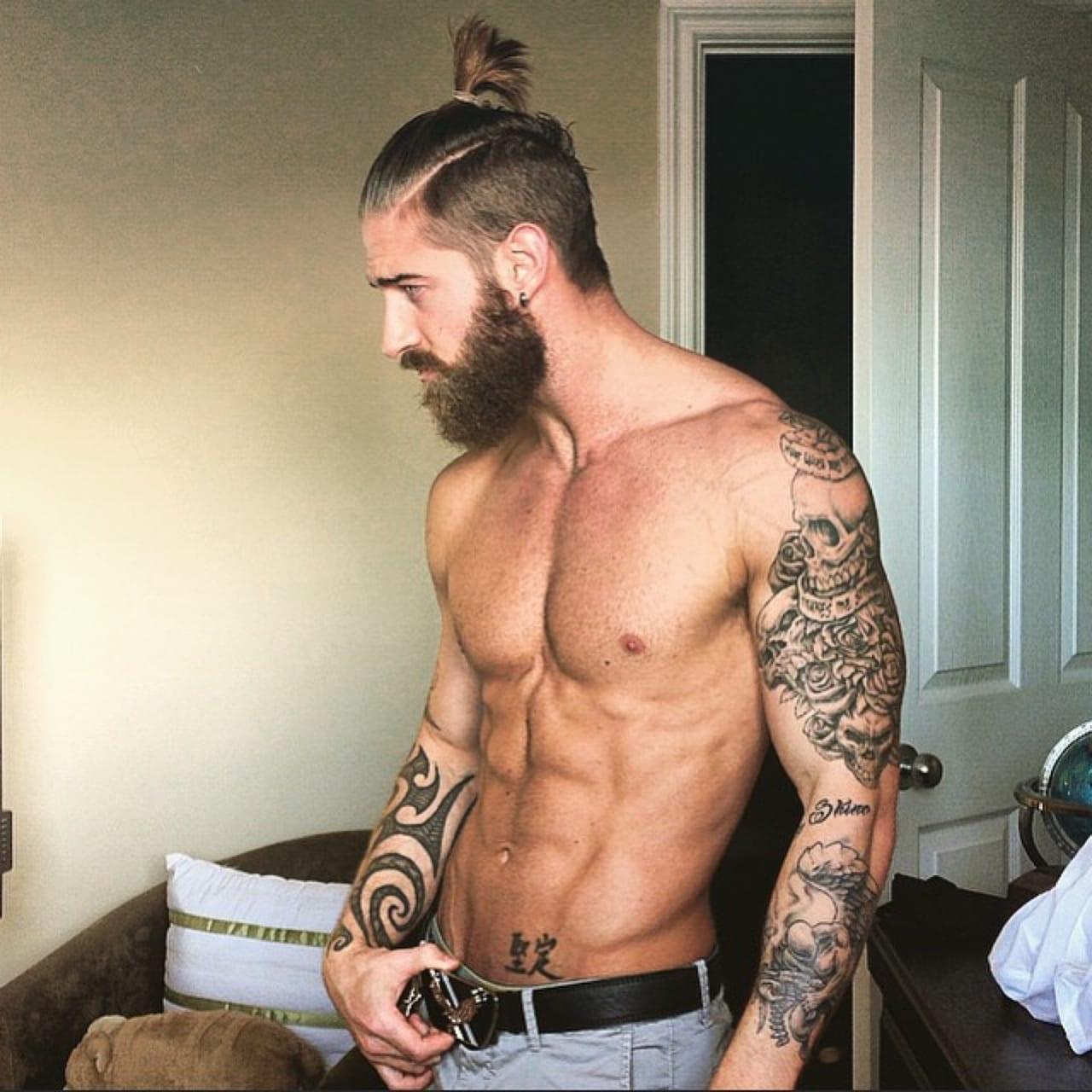 full-beard-for-masculine-guys