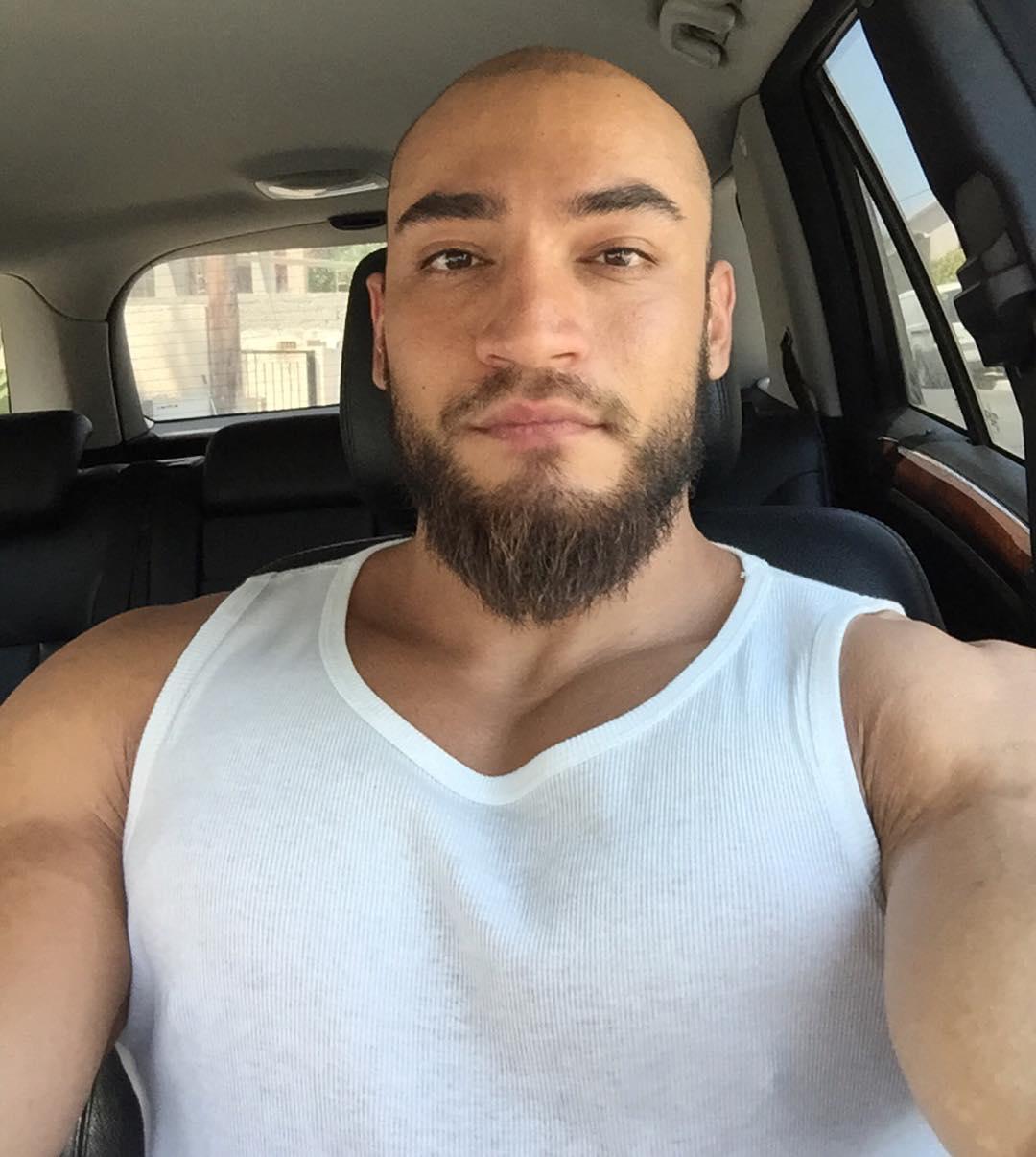 short-moustache-balbo-beard
