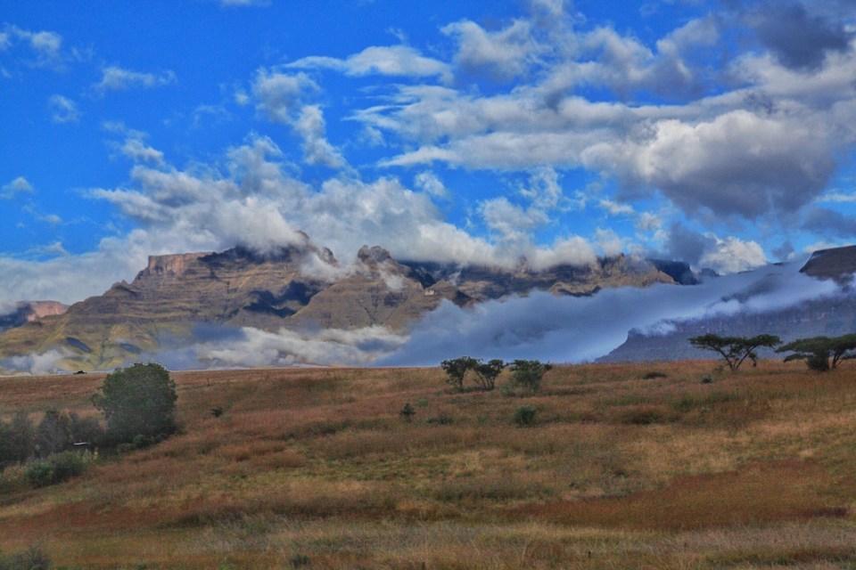 Monk's Cowl, Drakensberg Mountains, Royal Natal National Park, Golden Gate National Park, Champagne Valley, Hiking, South Africa