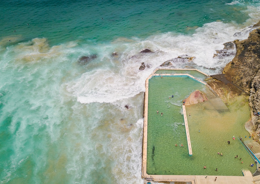 South Curl Curl Rockpool, Sydney's Top 10 Rockpools, Best Rockpools in Sydney, Top 10 Natural Ocean Pools in Sydney, Best Ocean Pools Sydney, beardandcurly.com
