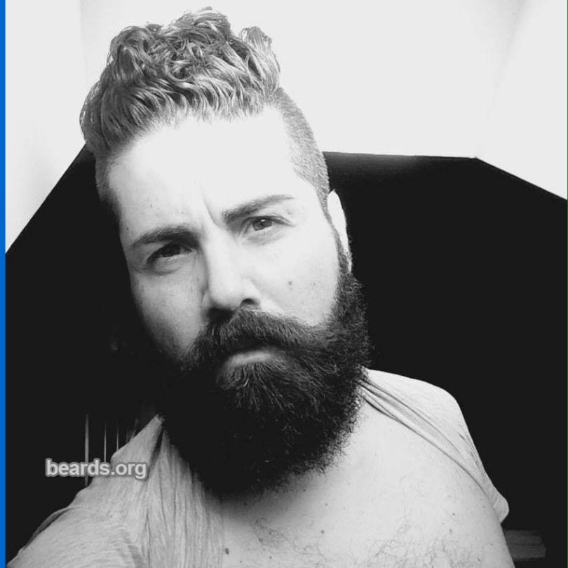 Eduardo: today's beard, 2016/12/10