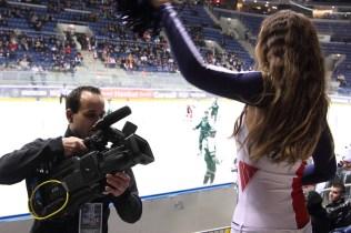2012_120 - Arenafotografen ville gärna vara nära