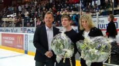 2012_139 - Loob delar ut pris till ett par sanna hjältar