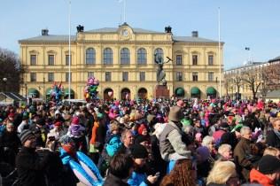 Påskparad i Karlstad 2013 - Stora Torget var välfyllt