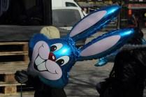 Påskparad i Karlstad 2013 - En blå kanin