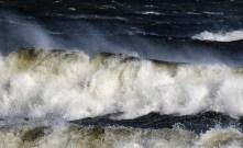 180810-171651-waves-1D8A6525