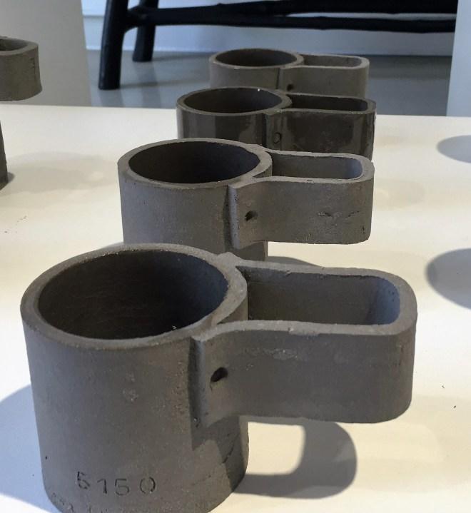 vue-exposition-ceramic-frederick-gautier-mugs