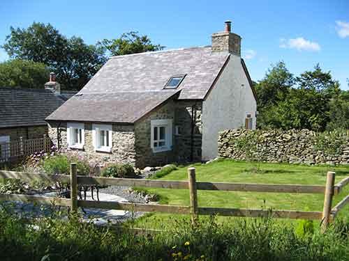 Hen Ffermdy cottage, Banceithin