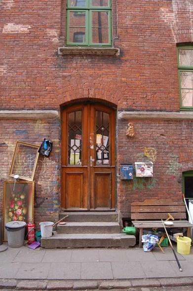 Jäger-Passage 1 doorway, Hamburg, 2011