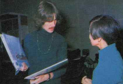 George Harrison with Japanese reporter Rumiko Hoshika, 25 September 1967
