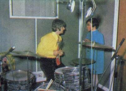 Ringo Starr with Japanese reporter Rumiko Hoshika, 25 September 1967