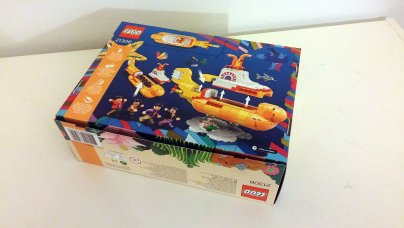 The Beatles' LEGO Yellow Submarine box