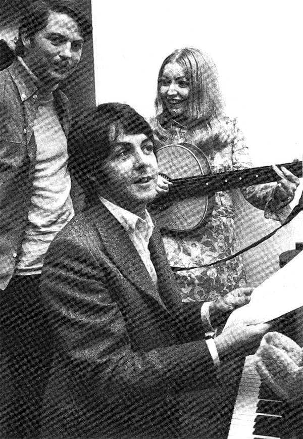Paul McCartney and Mary Hopkin on Magpie, 1968